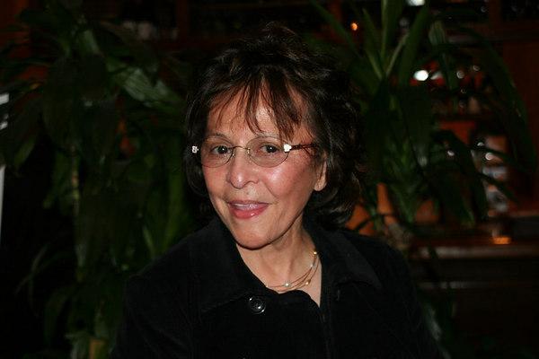 Claudia (75)