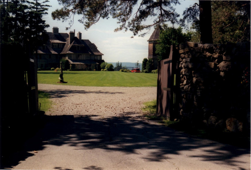 One of the large estates in the vicinity of old Fort Senneville