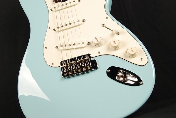 Retro Classic Custom, Daphne Blue, SSS Pickups