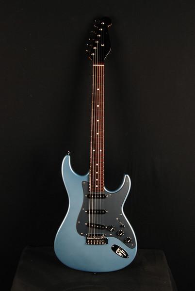 Don Grosh Retro Classic Custom in Glacier Blue Metallic, SSS Pickups