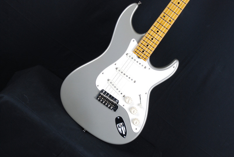 Don Grosh Retro Classic Custom in Inca Silver, SSS Pickups
