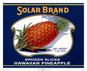 046: Solar Brand Pineapple can label. Ca 1946, showing old Hawaiian pineapple illustration against a dark blue background. These antique Hawaiian pineapple can labels are great choices for tropical theme kitchens and dining rooms, as well as the walls of your basement or poolside tiki bar.