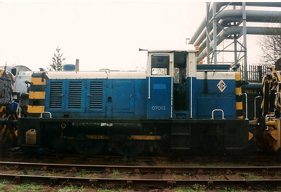 Class 07, D2996/07012 sits at the South Yorkshire Railway at Meadowhall on 27 April 1996. The fourteen members of the class 07 fleet were initially built for sole use in Southampton Docks.