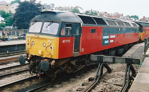 47773 Reservist stands at Newport on 28 June 2000 with the 1B60 1914 Bristol Temple Meads - Swansea mail. She was probably better remembered as 47541 The Queen Mother https://mark-beal-tmd.smugmug.com/RetrospectiveRail/Retrospective-Class-47/i-ChJ9wxP