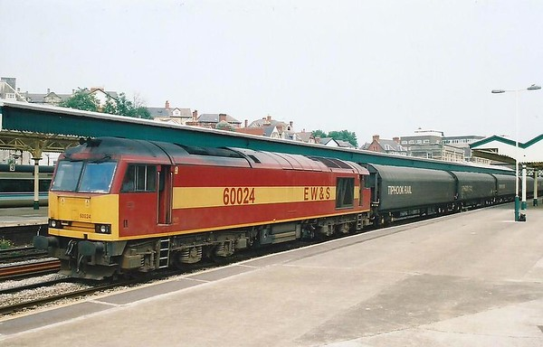 60024, the former Elizabeth Fry, passes West through Newport on 28 June 2000.