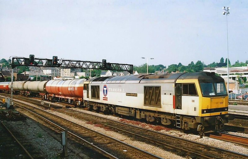 60035 Florence Nightingale leads the 6B13 0536 Robeston - Westerleigh through Newport on 28 June 2000.