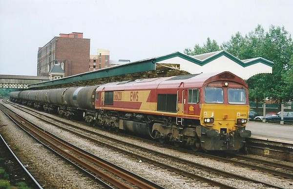 66120 passes through Newport on 28 June 2000 with the 6B24 Wednesdays only 1533 Didcot Power Station - Cardiff Tidal.
