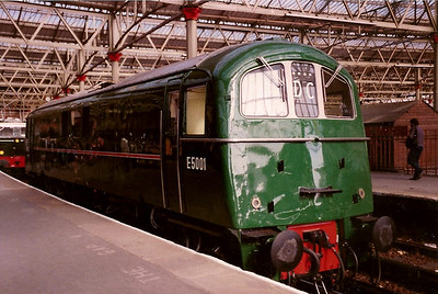 E5001 is seen on display at Waterloo on Network Day 10 October 1988.
