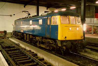 85006 sits on the blocks at Euston on 29 October 1988.