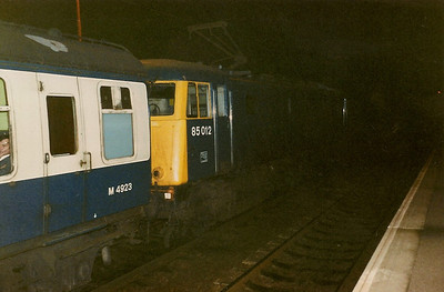 85012 waits to leave Milton Keynes on 30 October 1987 with the 1648 Euston - Northampton 'Network Express'. Later renumbered to 85104.