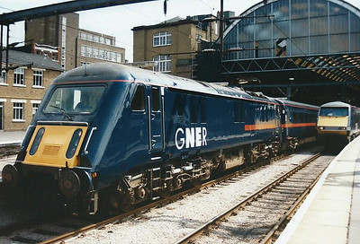 89001 stands at King's Cross on 2 August 1997 with the 1430 to Leeds.