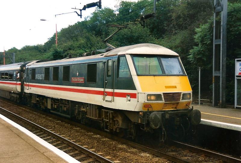 90002 The Girls' Brigade calls at Milton Keynes  on 22 September 1995.
