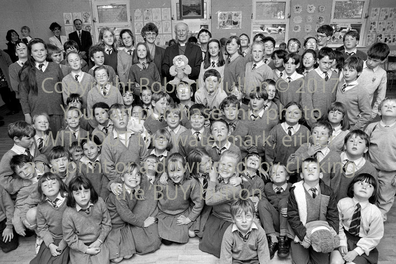 Group of school children from Wicklow - 1980s/90s