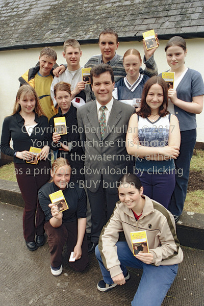 Minister Noel Dempsey with this group from Wicklow Youth Club.  Circa 1990s
