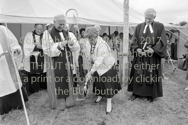 Minister for Education, Gemma Hussey turning the sod for East Glendalough School, Wicklow - 1980s/90s