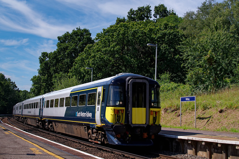 442413 and 442417 passing Witley, working 9P34, the 10:45 Portsmouth Harbour - Waterloo. 23rd August 2019.