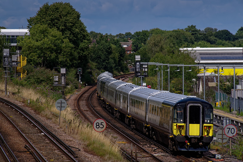 442406 and 442414 approaching Guildford with 9P37, the 13:00 Waterloo - Portsmouth Harbour on 20th August 2019.