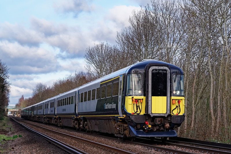 442406 and 442414 passing the Wooden Bridge, near Guildford, working 9P37, the 13:00 Waterloo - Portsmouth Harbour. 10th January 2020.