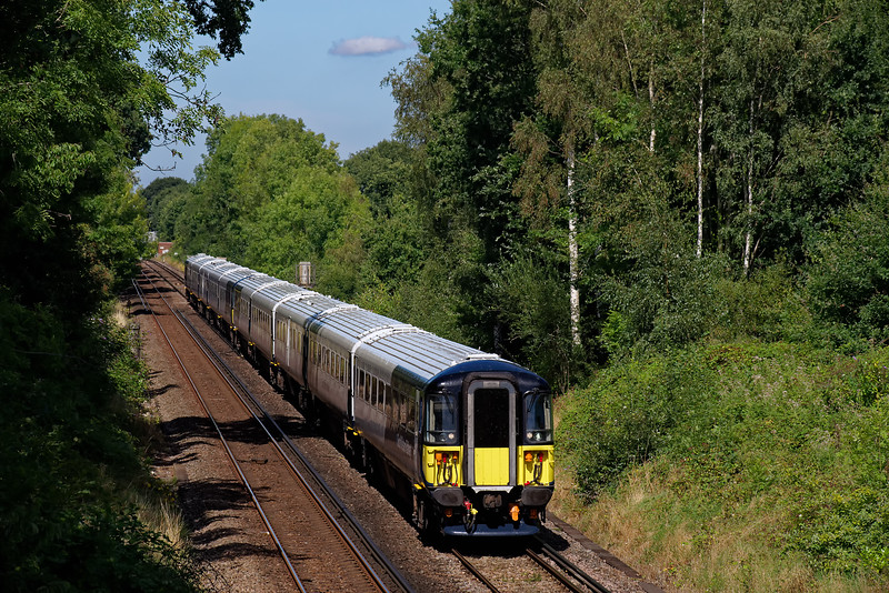 442417 and 442413 approaching Guildford, working 9P37, the 13:00 Waterloo - Portsmouth Harbour. 23rd August 2019.