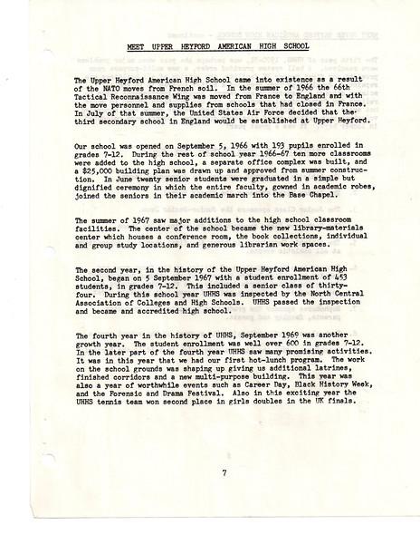 UHHS-StudentHandbook-1971-1972-009