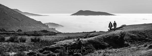 Mar de nubes en el Puerto del Pico (Ávila). Tomada con la oly e-m5 y el pana-leica 25mm. Procesada en Lightroom.