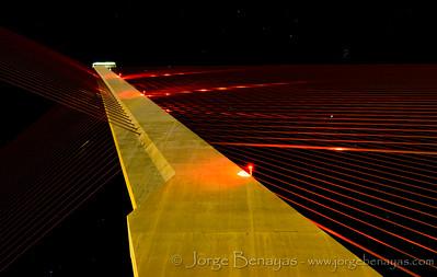 Nocturna en el puente atirantado (I)