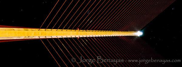Nocturna en el puente atirantado (II)