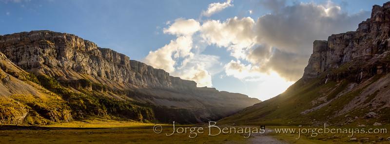 Last sunrays in Ordesa / Últimos rayos del sol en Ordesa