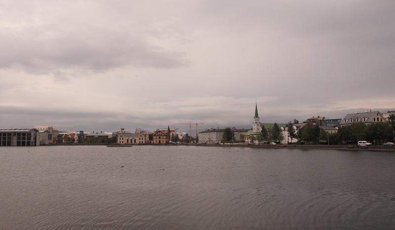 Ρέικιαβικ. Η λίμνη Tjörnin