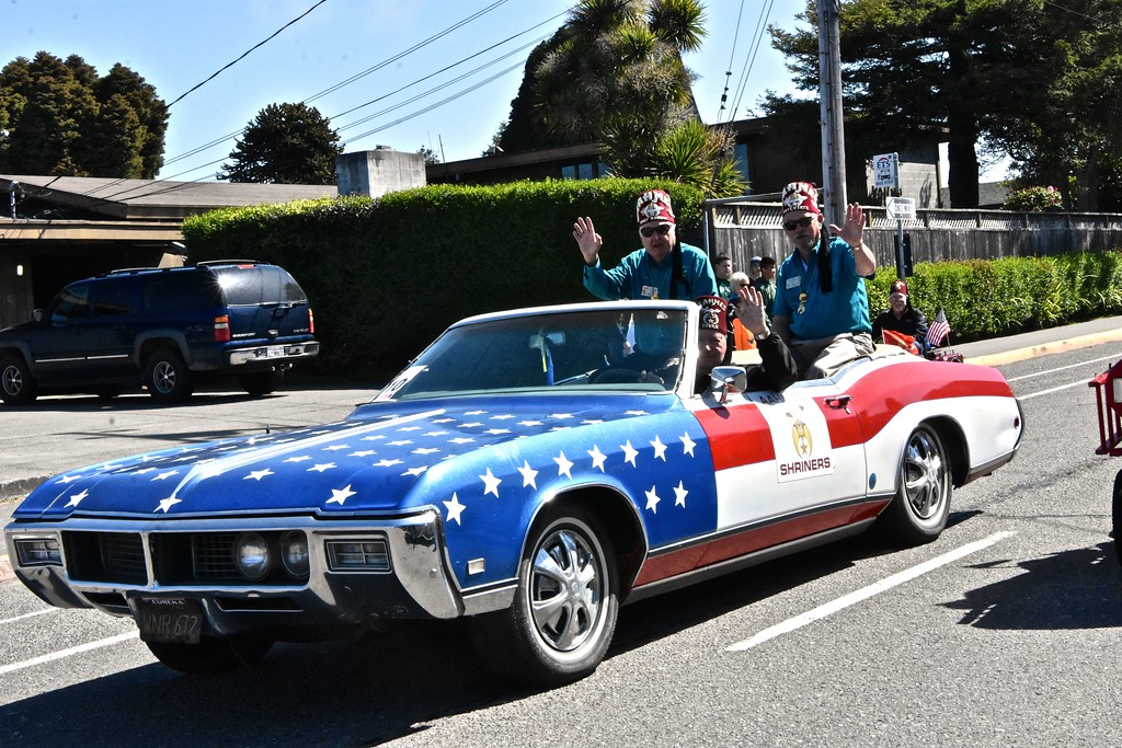 . Shriners cruise through the Rhododendron parade in style. (Jose Quezada - For the Times-Standard)