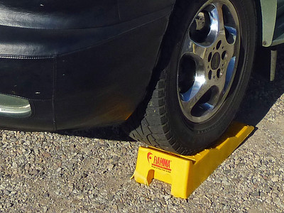 Ramp Leveler and Safety Wheel Chock Combination Ramp.