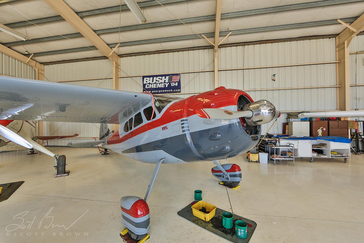 1953 Cessna 195B N4438C