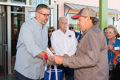 Chuys Ribbon Cutting_2017_014