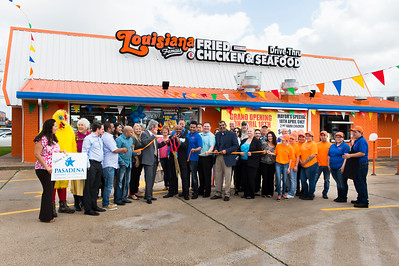 Louisiana Famous Fried Chicken_Ribbon Cutting_039