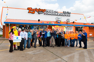 Louisiana Famous Fried Chicken_Ribbon Cutting_040
