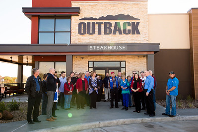 Outback Steakhouse_Ribbon Cutting_2017_007