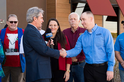 Outback Steakhouse_Ribbon Cutting_2017_008