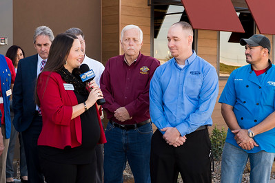 Outback Steakhouse_Ribbon Cutting_2017_005