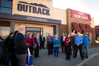 Outback Steakhouse_Ribbon Cutting_2017_001