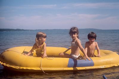 1975_08 Bonnie & Friends