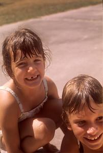 1975_08 Bonnie & Friend