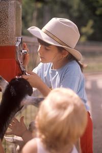 1975_08 Bonnie, Jonathan & Goat