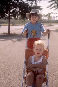 1975_08 Bonnie & Jonathan