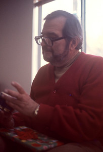 1976-12 Papa Ernie Christmas