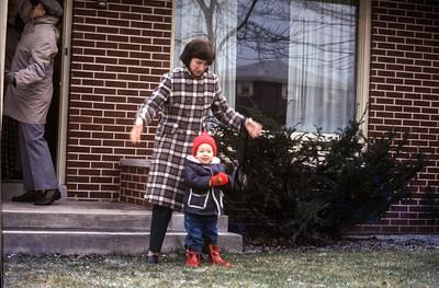 1976-05 Jon & Sue Broad & Chuck Broad Sr