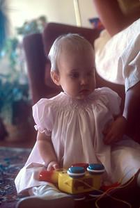 1977-04 Nicole