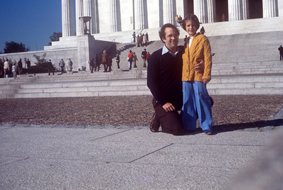 1977-05 Lincoln Memorial John & Bonnie