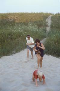 1978-08 Chuck, Sue, Jennie