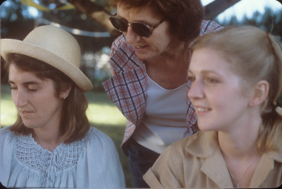 1978-08 Nancy, Peggy, & Mary Broad