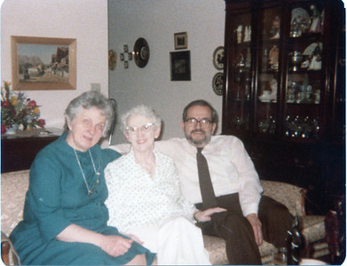 1980-04 Jeanne, Gramma Lou & Ernie